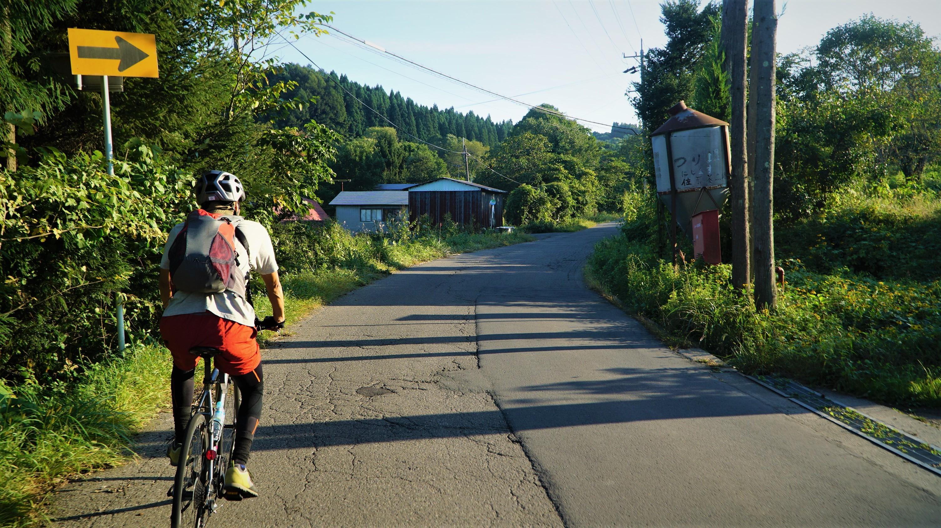 入境隨俗,遵守自転車安全利用五則,預祝大家都能平安玩騎。攝於新瀉縣鄉間的單車秘徑。