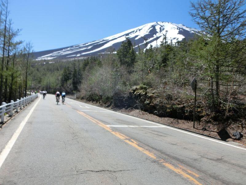 活動路線就是富士山有料道路(富士スバルライン),一路朝著富士山頂騎就對了!!